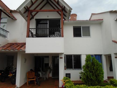 Preciosa Casa en el Barrio El Jordan Villavicencio. Meta