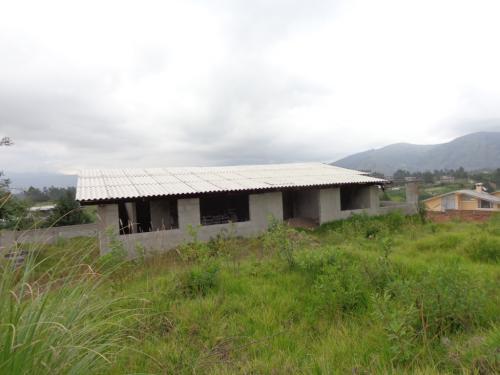 De regalo¡¡¡  Por viaje vendo casa en construcción para cualquier proyecto: de cuidado, educación, esparcimiento o cualquier sueño suyo, con terreno g