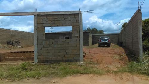 Terreno de 400 mts2 con una construcción