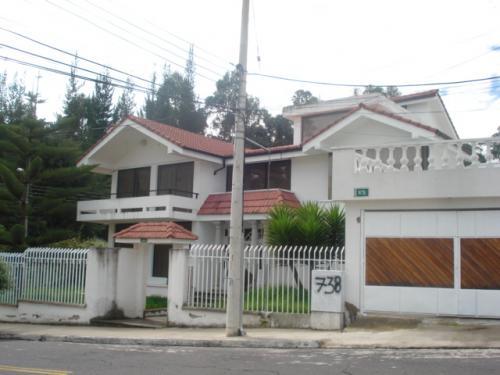 Casa de venta en la urb el condado casas de venta en - Casas en quito ecuador ...