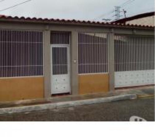 INVERSION RENTABLE Y CONFIABLE, VENDO LOE DE 5 CASAS EN CABUDARE