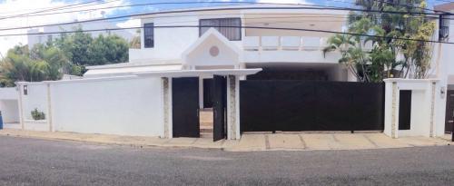 comoda y amplia casa