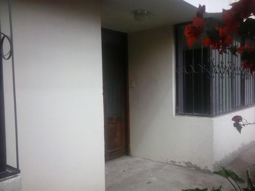 OFICINA DE ARRIENDO EN NAYON 2 ÁREAS, 55m2, GARAJE Trabaje en un ambiente de paz y tranquilidad MUY CERCA DE TODO