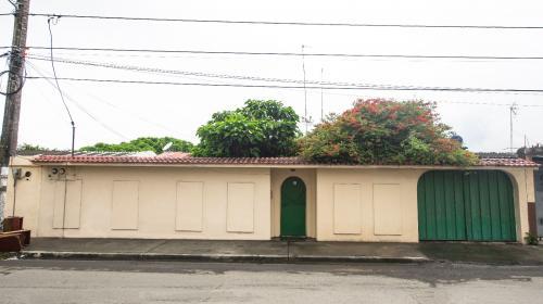 Casa Duplex En Venta - Brisas del Santay